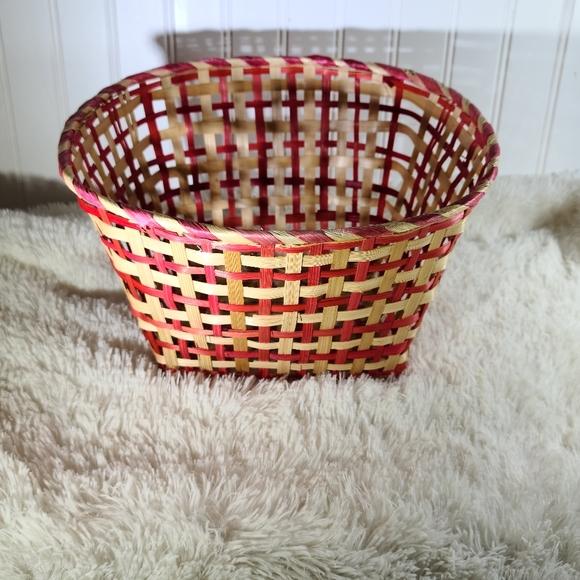 🌵Red Wicker Rattan Basket Valentines Decor 5/$30